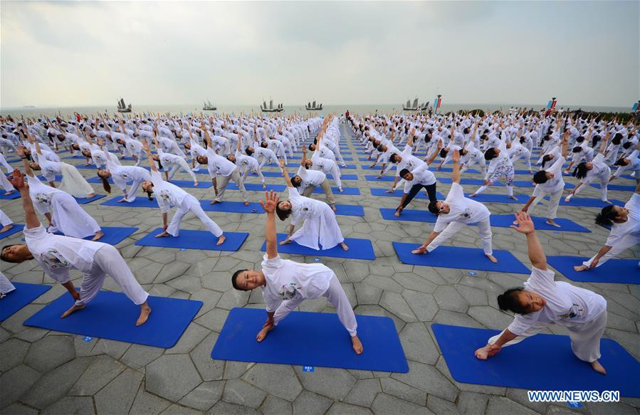 Int'l Yoga Festival Kicks off